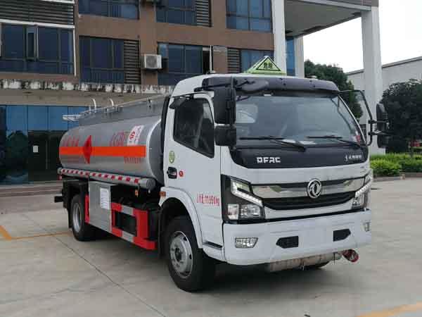 楚勝牌CSC5125GYY6A型運油車