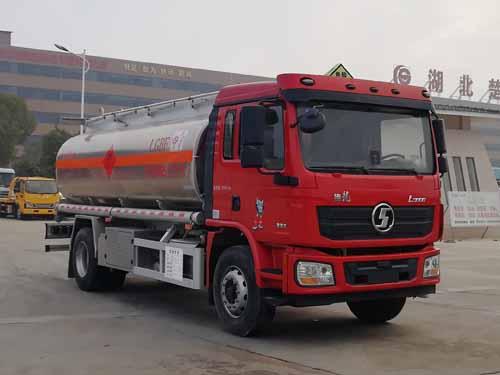 楚勝牌CSC5189GYYLS6型鋁合金運油車